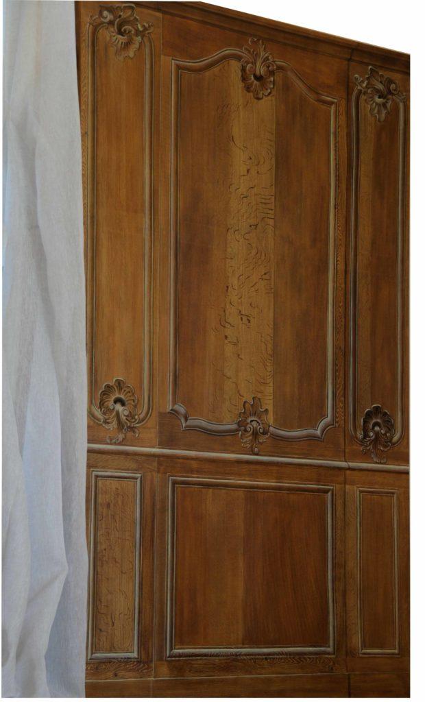 Boiserie Louis XV - imitation chêne et fausses moulures