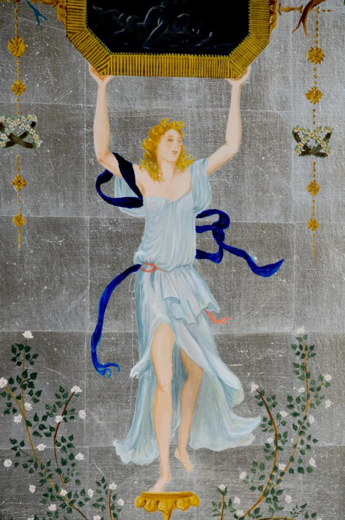 grotesque femme qui danse