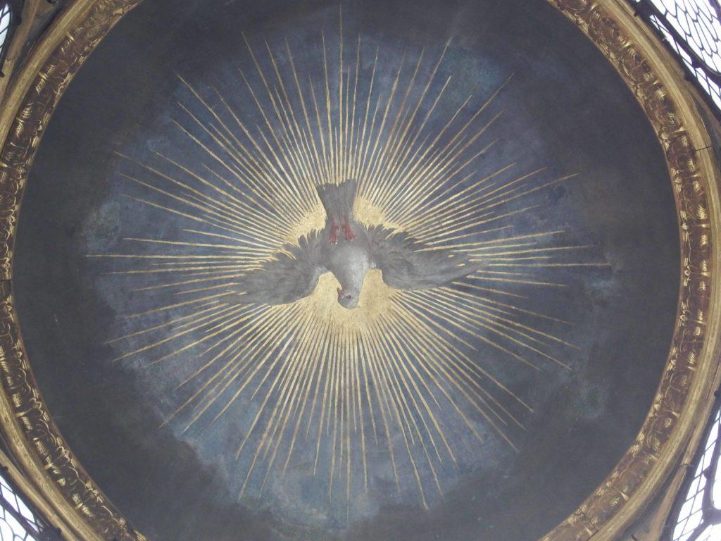 saint nicolas colombe rapprochée